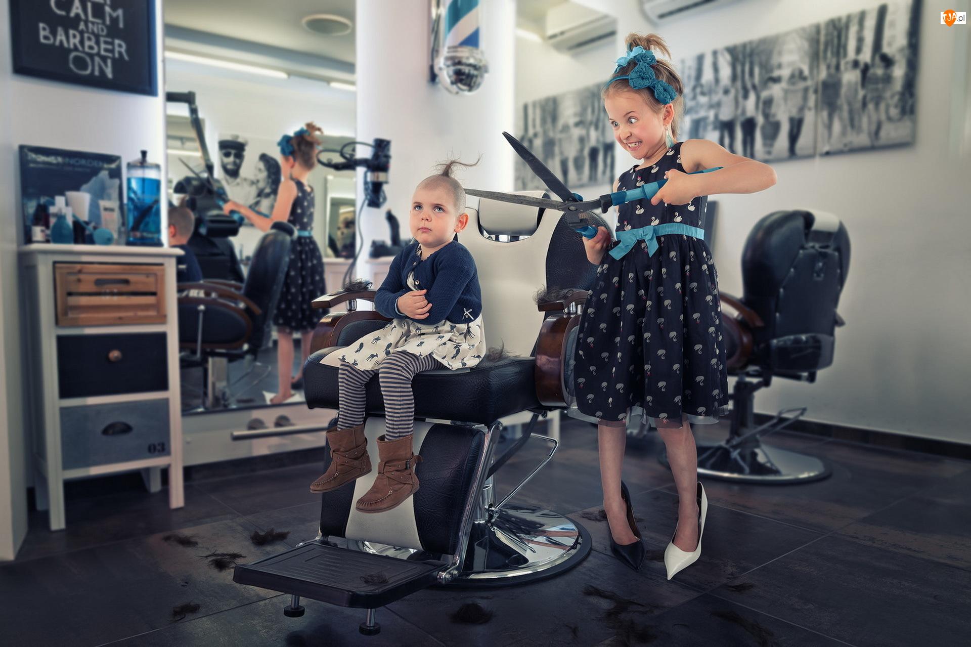 Śmieszne, Dziewczynki, Zakład fryzjerski, Nożyczki