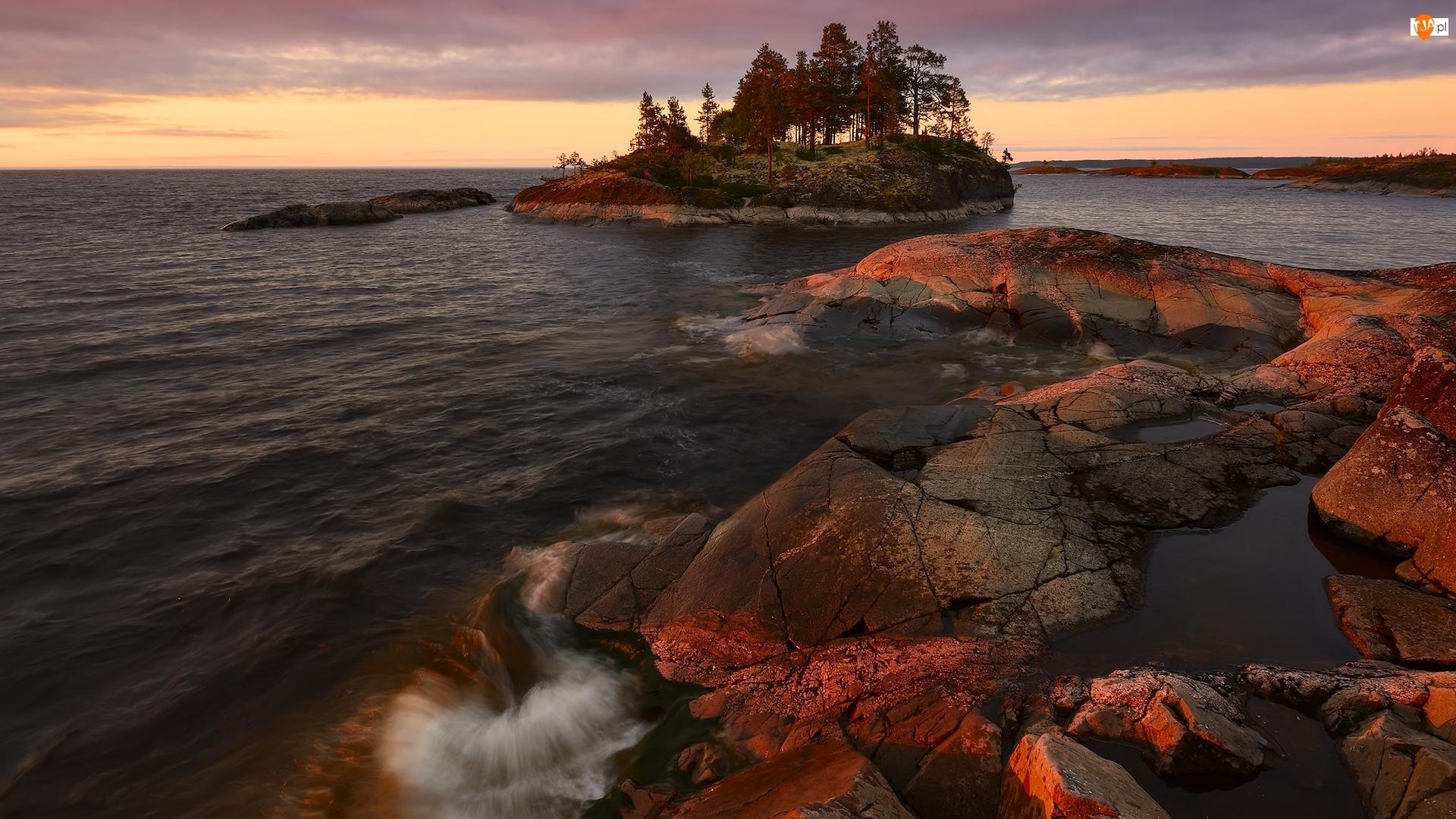 Wysepka, Rosja, Ładoga, Skały, Karelia, Jesień, Drzewa, Jezioro