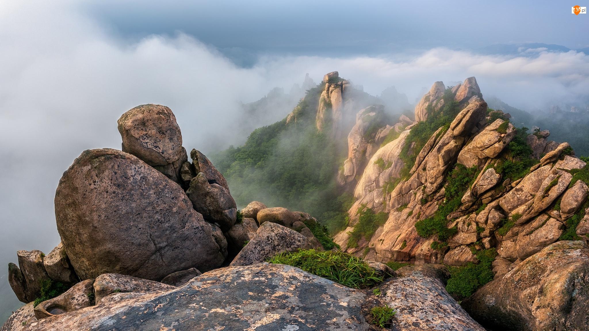 Góry Wolchulsan, Góry, Chmury, Prowincja Jeolla Południowa, Skały, Park Narodowy Wolchulsan, Korea Południowa, Mgła