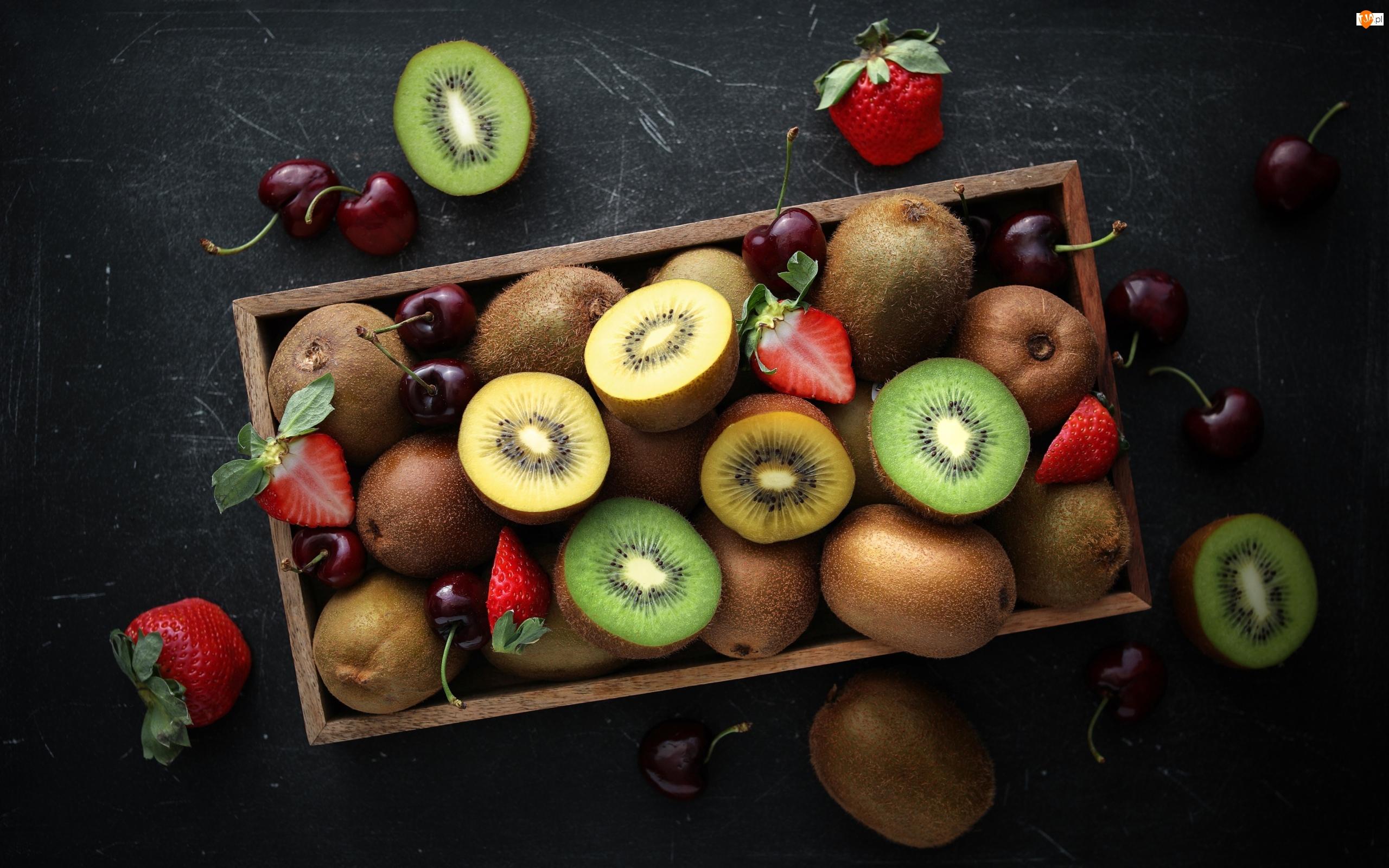Wiśnie, Skrzynka, Kiwi, Truskawki