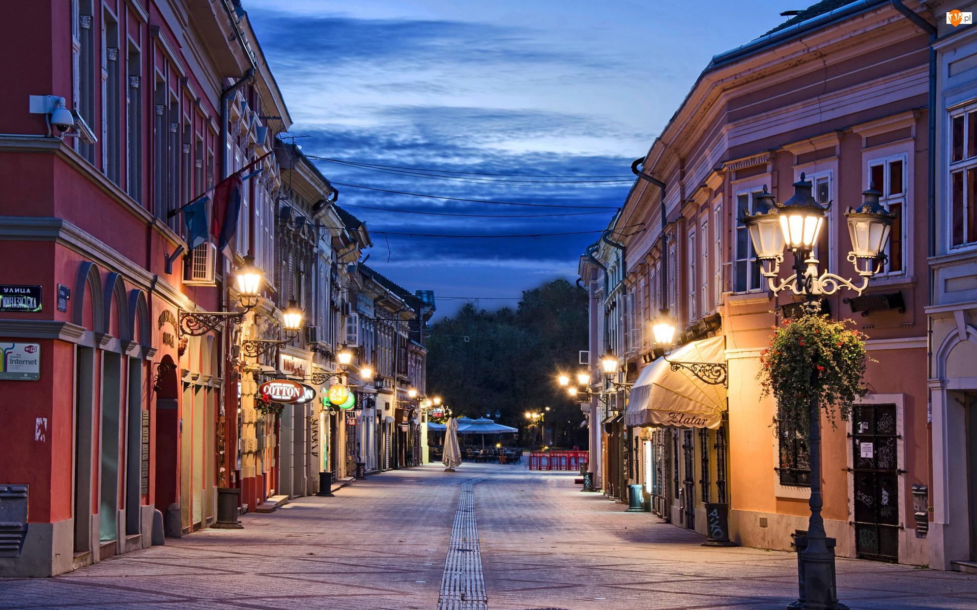 Ulica Dunavska, Latarnie, Nowy Sad, Serbia, Domy
