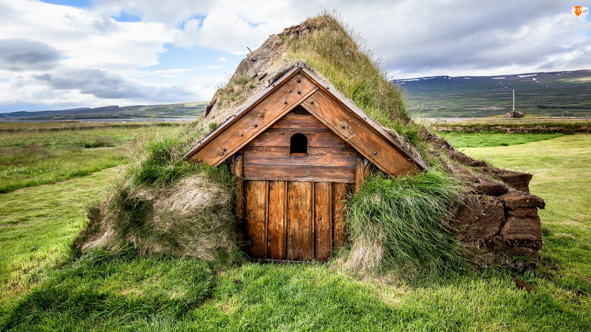Domek, Murawa, Islandia, Drewniany, Geirsstadir, Trawa, Kamienie