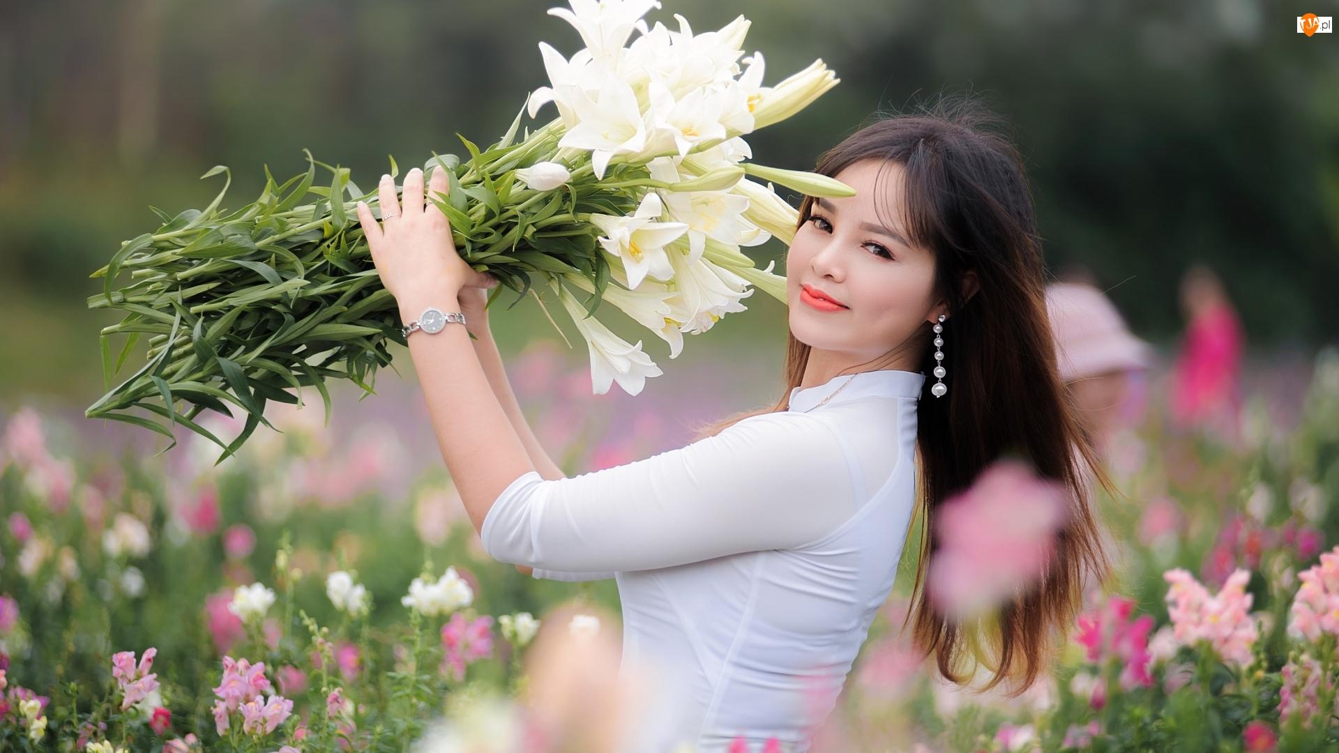 Kwiatów, Kobieta, Bluzka, Białe, Azjatka, Bukiet, Lilie, Biała