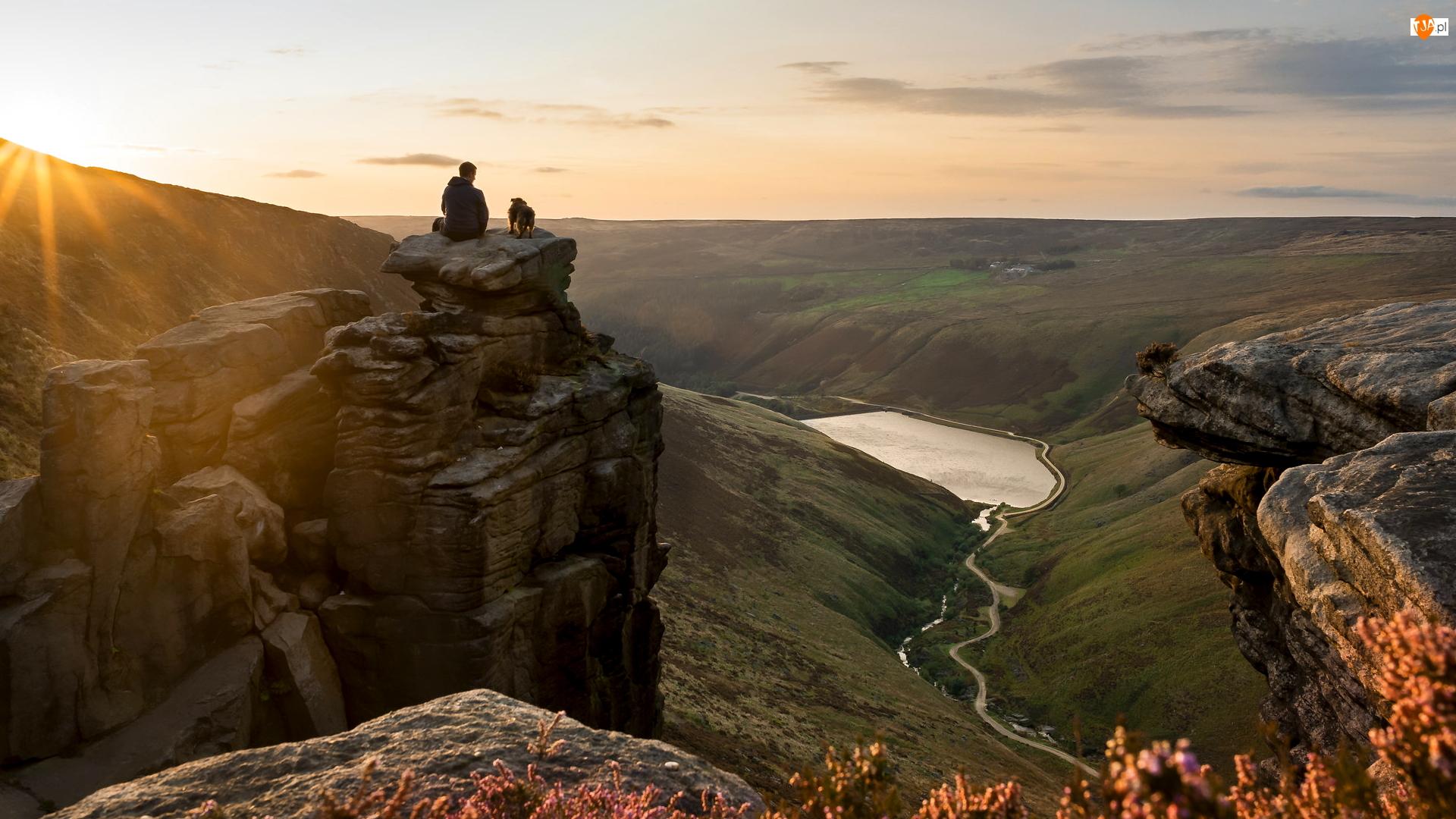 Rzeka, Skały, Park Narodowy Peak District, Anglia, Greenfield Brook, Góra, Pies, Greenfield Reservoir, Człowiek, Jezioro, Zbiornik, Saddleworth