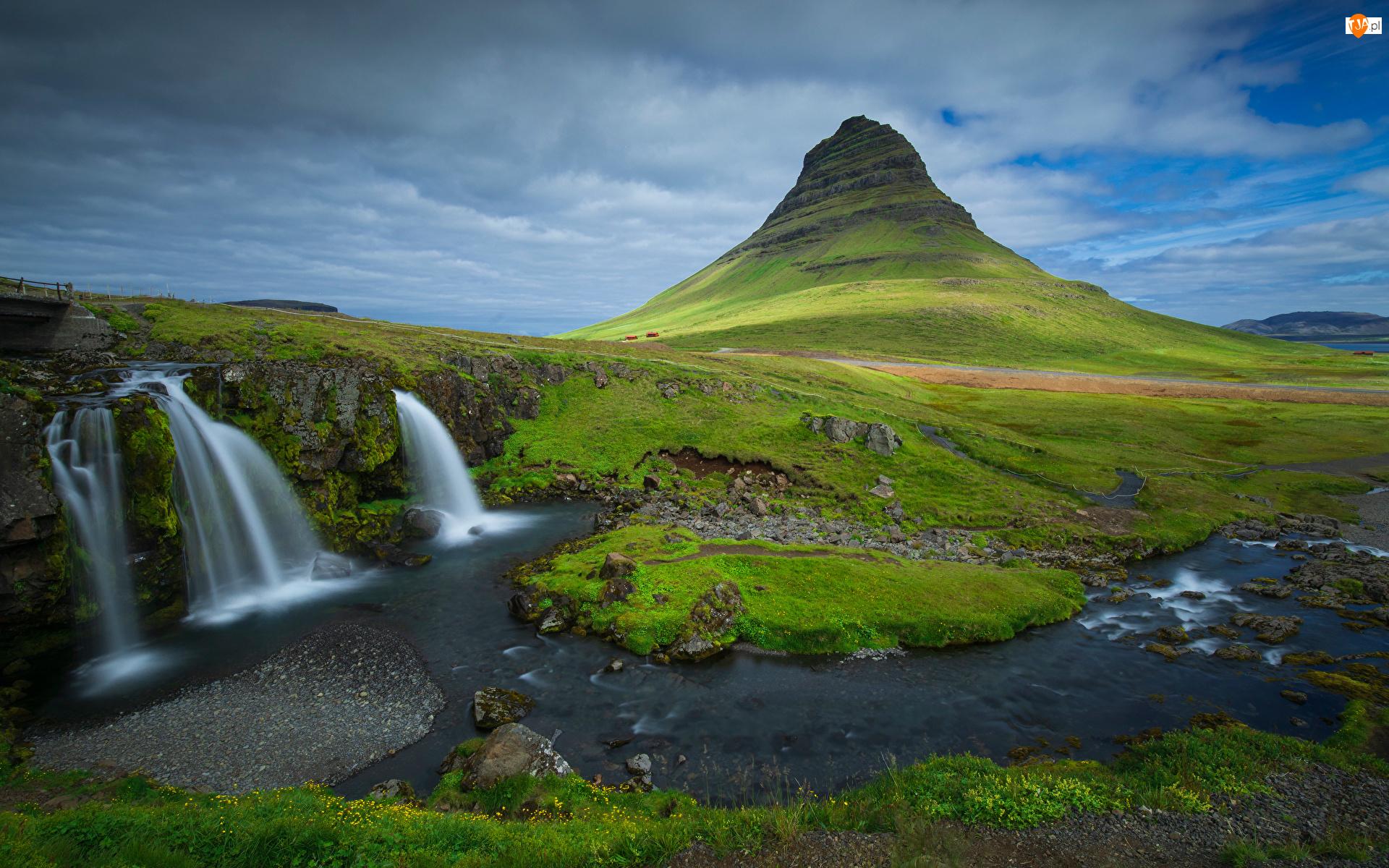 Kirkjufell, Wodospad, Islandia, Góra, Chmury, Rzeka, Kirkjufellsfoss