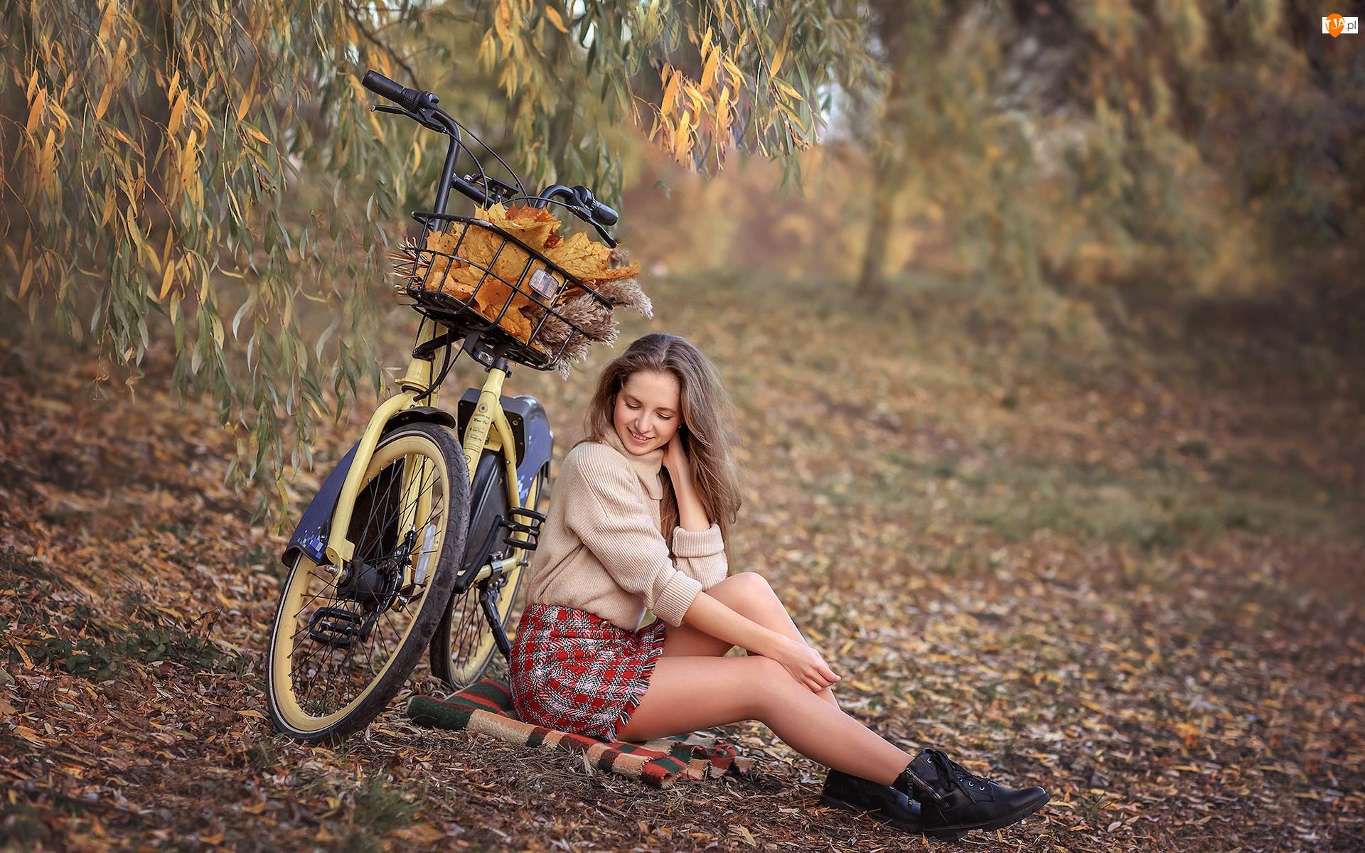 Liście, Dziewczyna, Rower, Jesień
