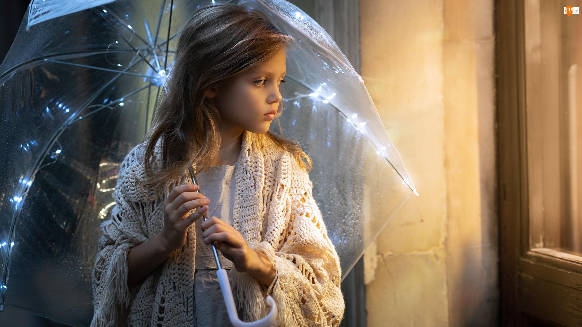 Światełka, Dziewczynka, Parasolka