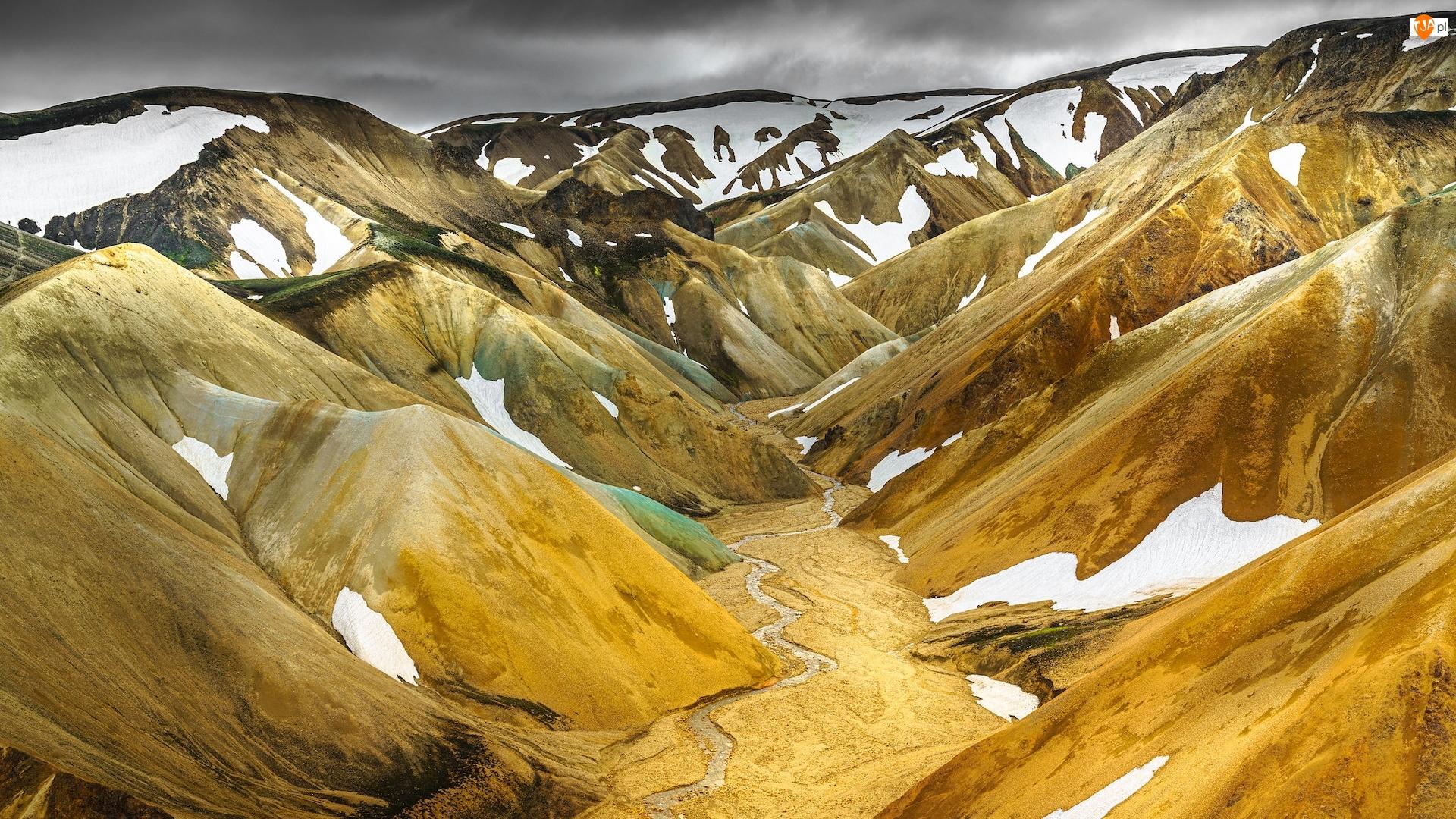 Tęczowe Góry, Śnieg, Landmannalaugar, Islandia, Wąwóz