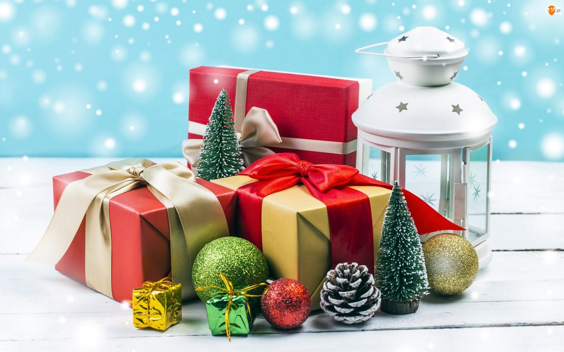 Bombki, Choinki, Boże Narodzenie, Prezenty, Kompozycja, Lampion, Szyszka