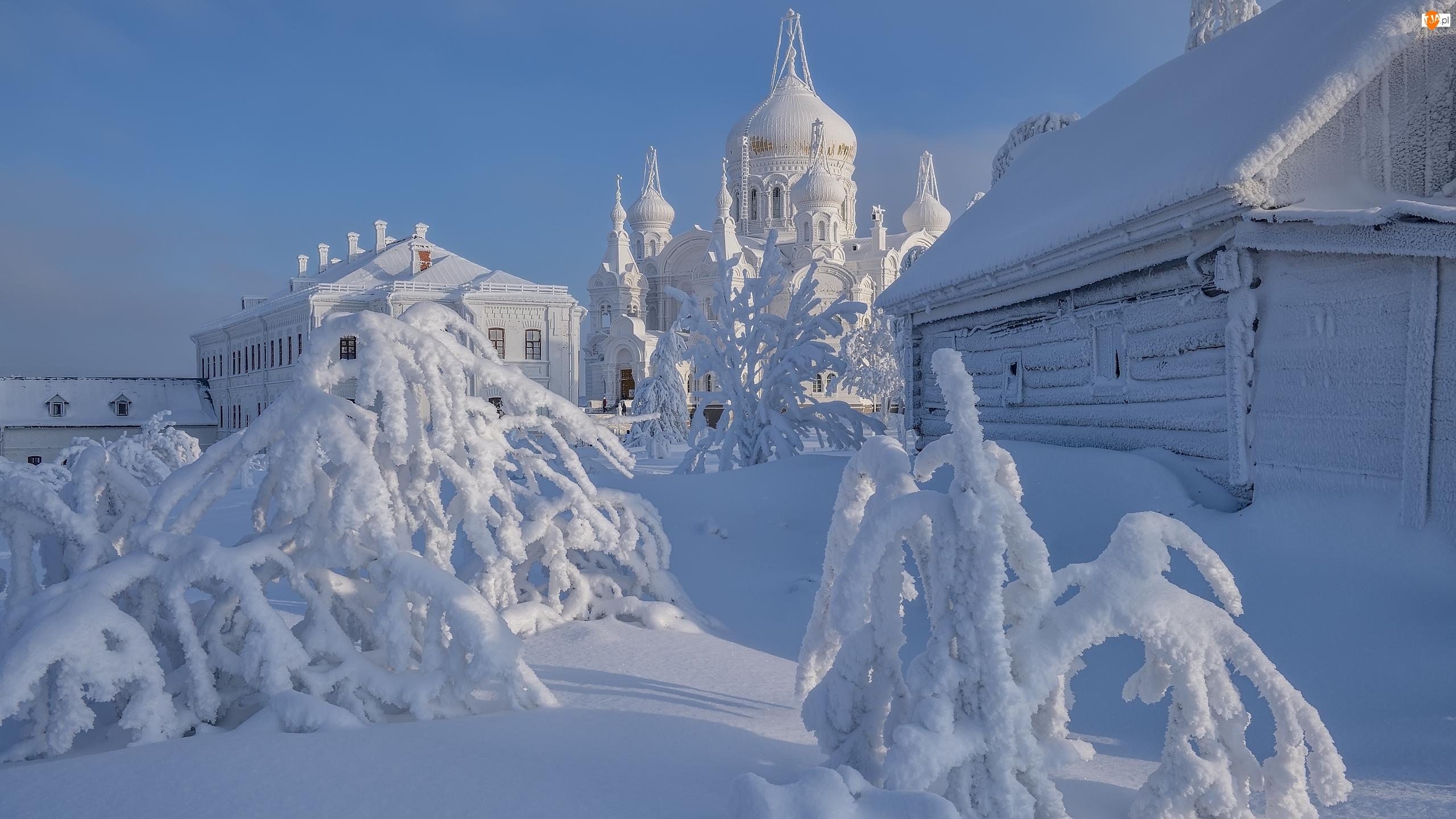 Rosja, Drzewa, Biała Góra, Dom, Białogórski Monaster św Mikołaja, Cerkiew, Śnieg, Zima, Ośnieżony, Obwód permski