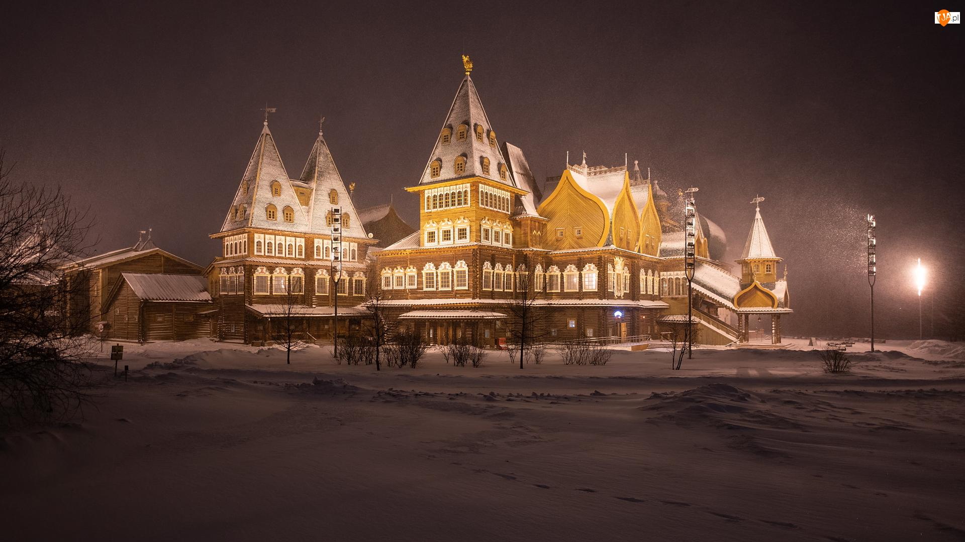 Rosja, Padający, Moskwa, Muzeum, Kolomenskoye, Śnieg, Oświetlony, Zima, Pałac cara Aleksego Michajłowicza