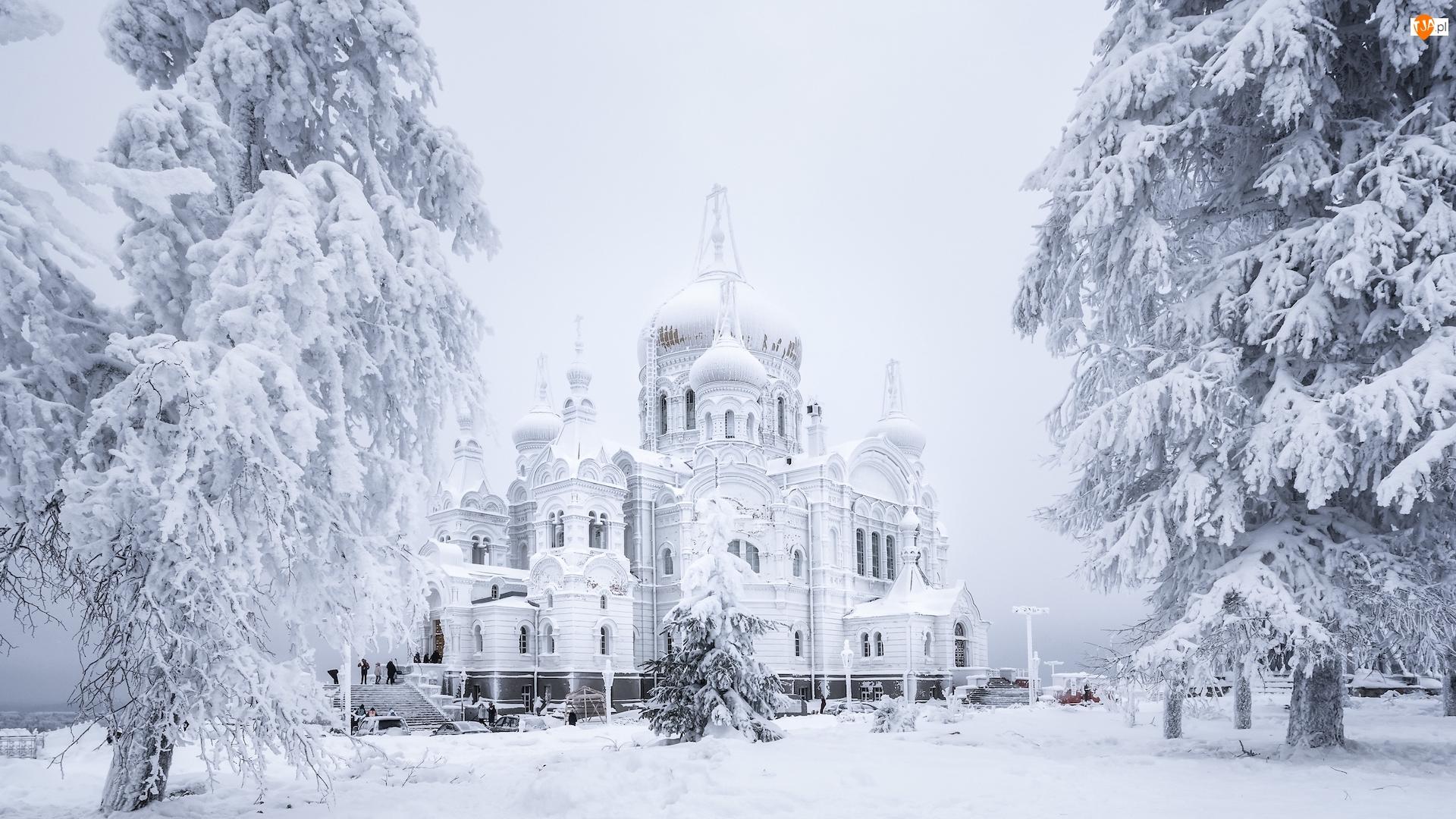 Biała Góra, Cerkiew, Śnieg, Obwód permski, Białogórski Monaster św Mikołaja, Drzewa, Rosja, Zima