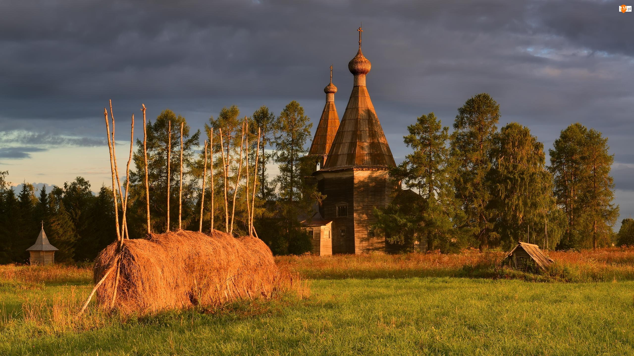 Stóg, Pole, Drzewa, Kościół, Siano