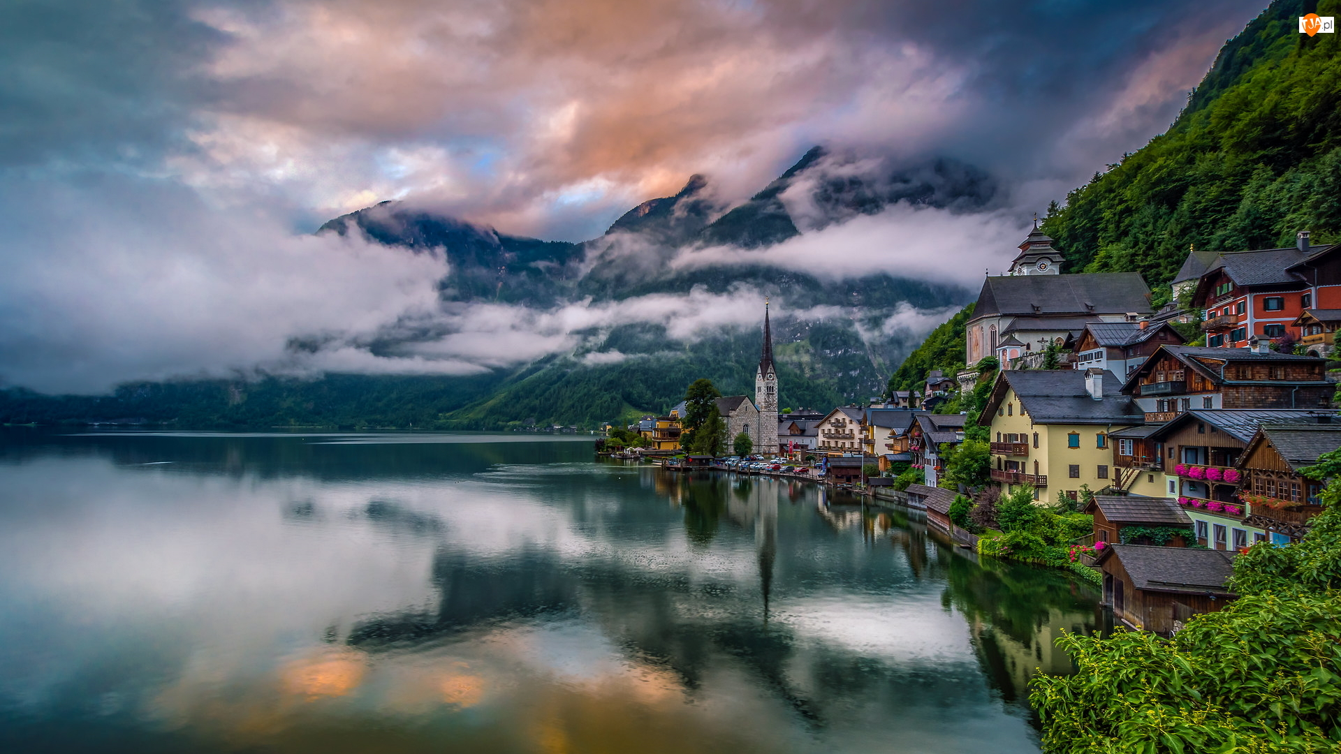 Kościół, Mgła, Jezioro Hallstattersee, Hallstatt, Góry, Domy, Austria, Alpy Salzburskie