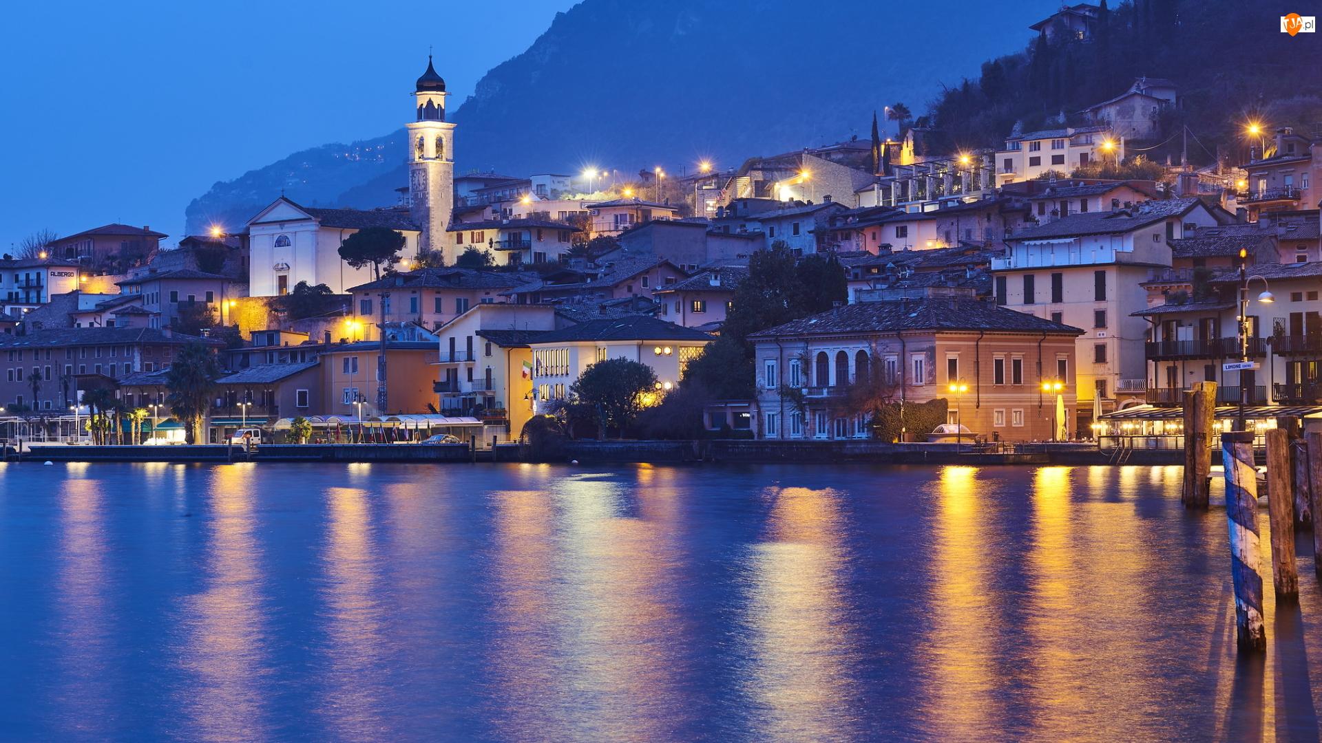 Jezioro Garda, Domy, Limone sul Garda, Włochy, Miejscowość, Lombardia