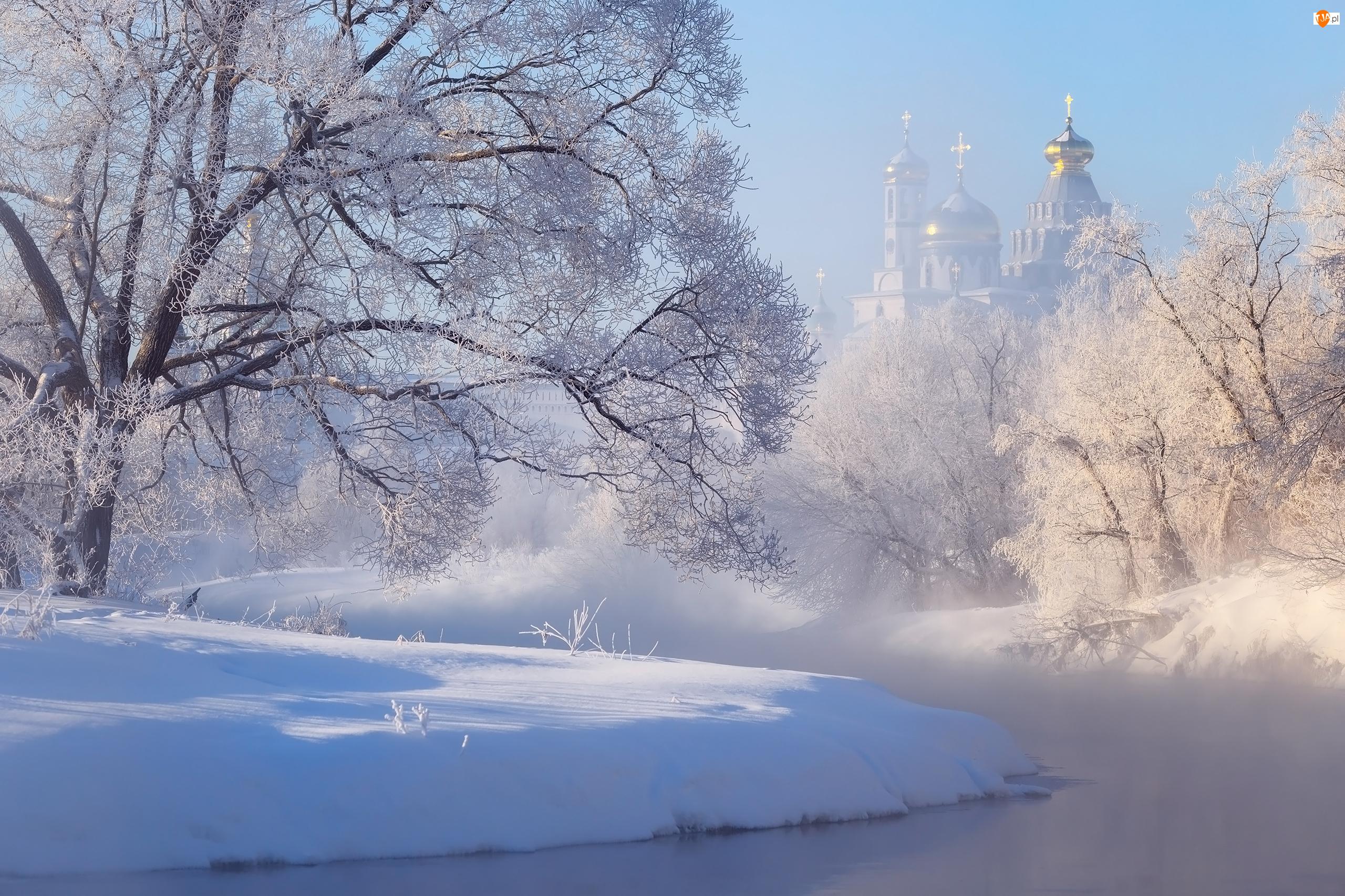 Rosja, Mgła, Rzeka Istra, Drzewa, Cerkiew, Zima, Nowe Jeruzalem, Monaster Zmartwychwstania Pańskiego, Ośnieżone, Obwód moskiewski