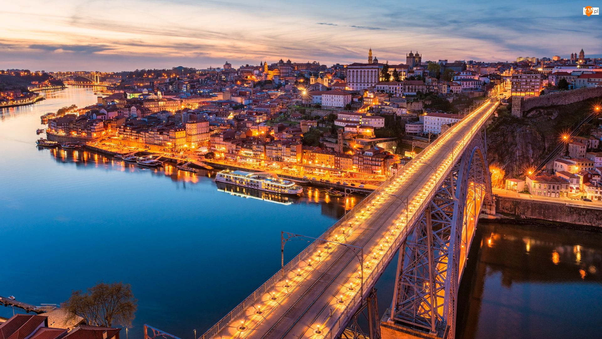 Porto, Portugalia, Statek, Most Ponte Dom Luis I, Rzeka Duero, Oświetlony