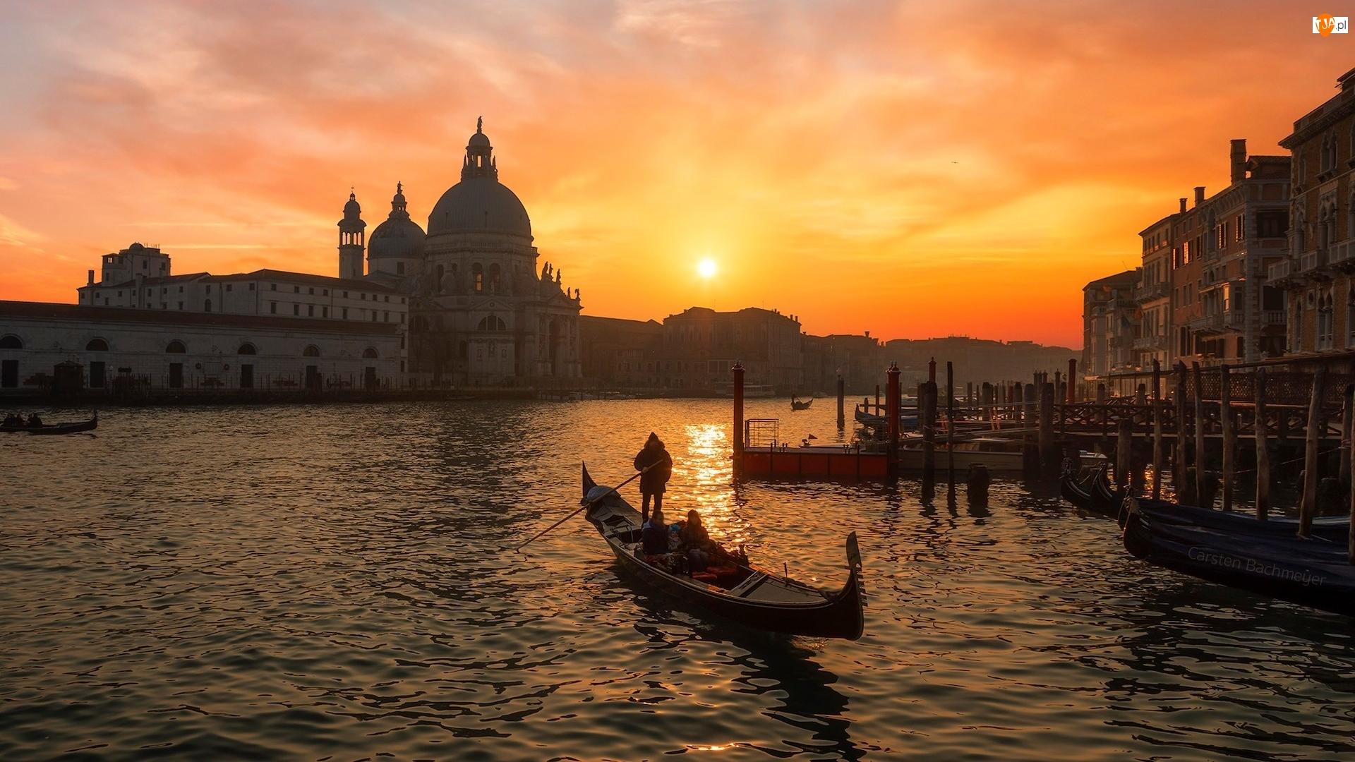 Wenecja, Kanał, Zachód słońca, Włochy, Bazylika, Domy, Gondola