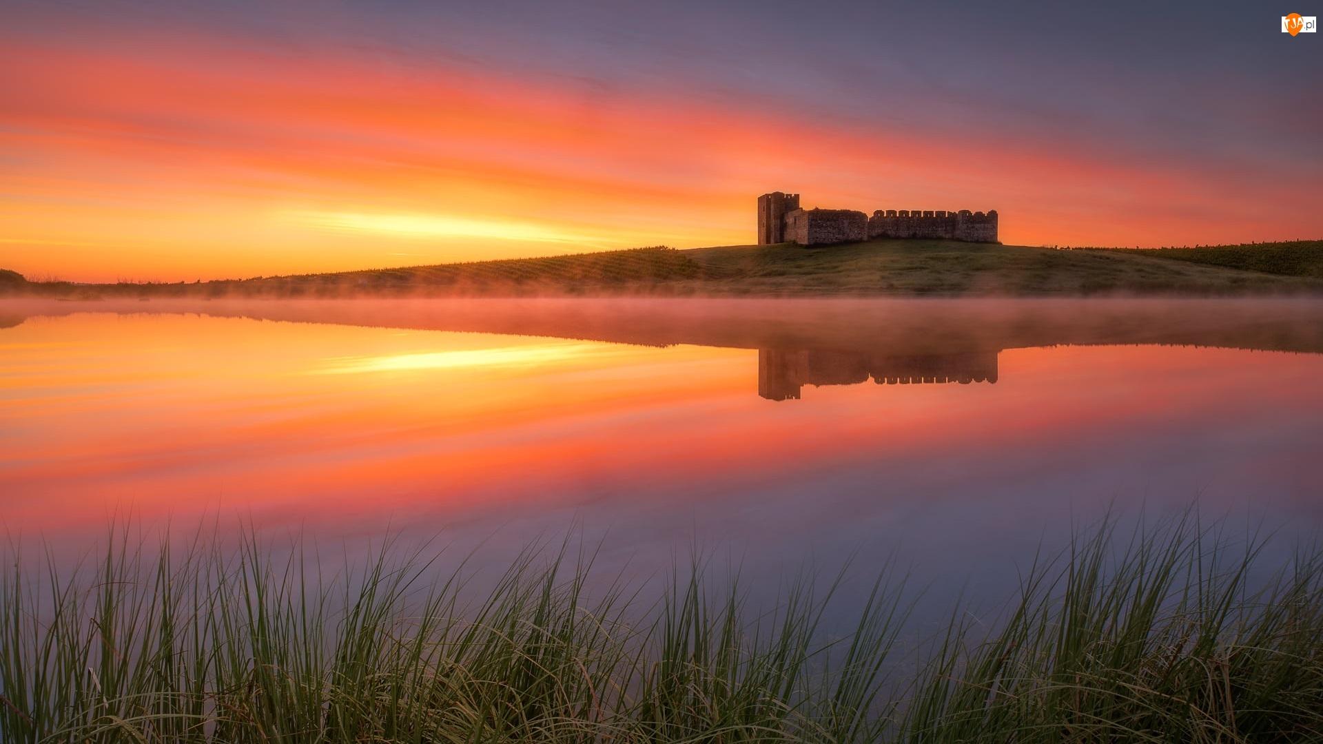 Evora, Zamek, Mgła, Portugalia, Wschód słońca, Jezioro, Castelo de Valongo