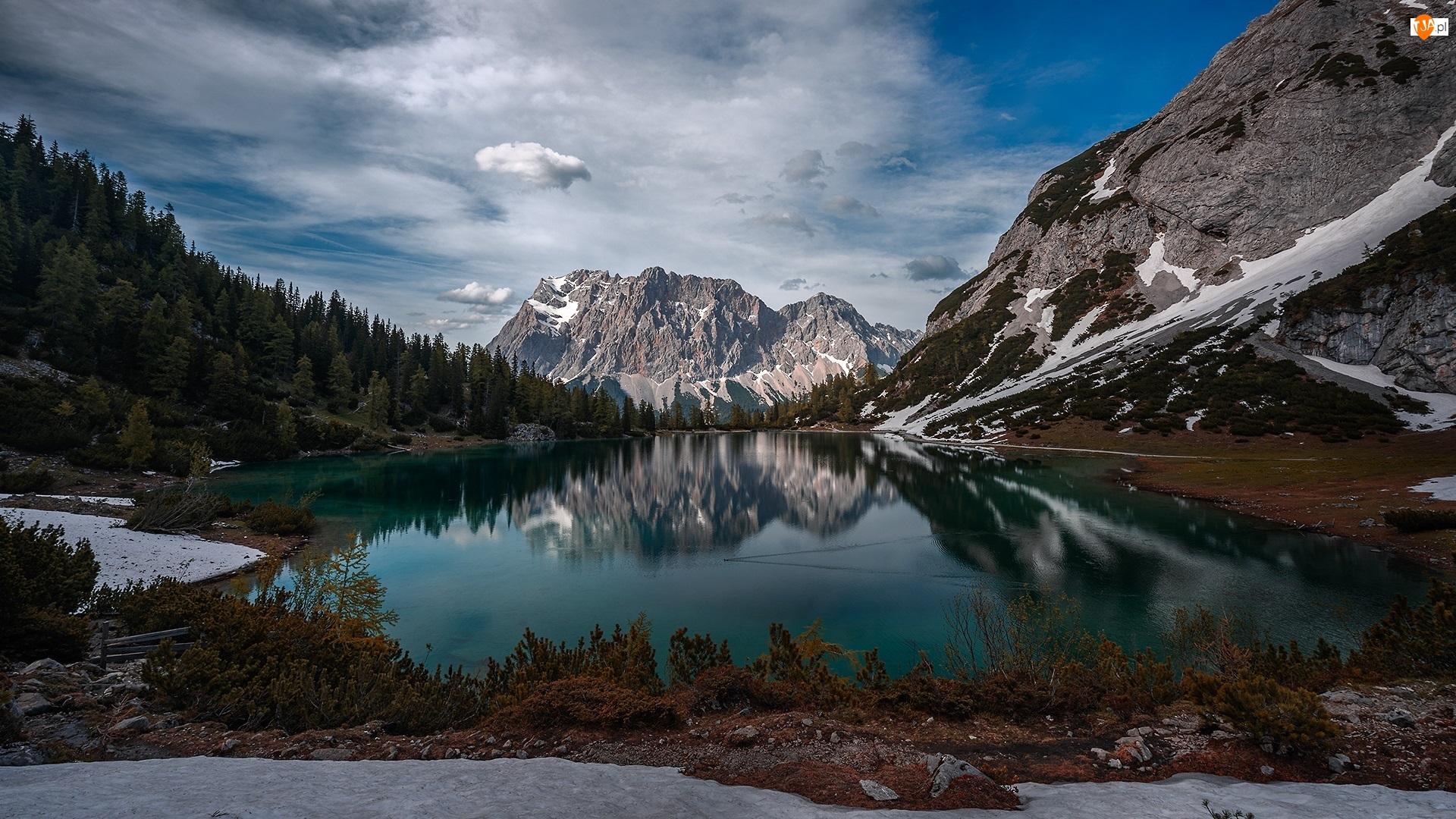 Drzewa, Chmury, Góry, Jezioro, Odbicie