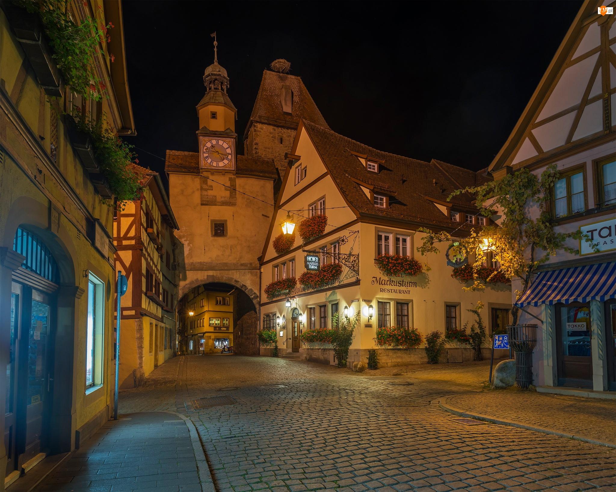 Latarnie, Miasto, Noc, Bawaria, Rothenburg ob der Tauber, Ulica, Niemcy, Domy