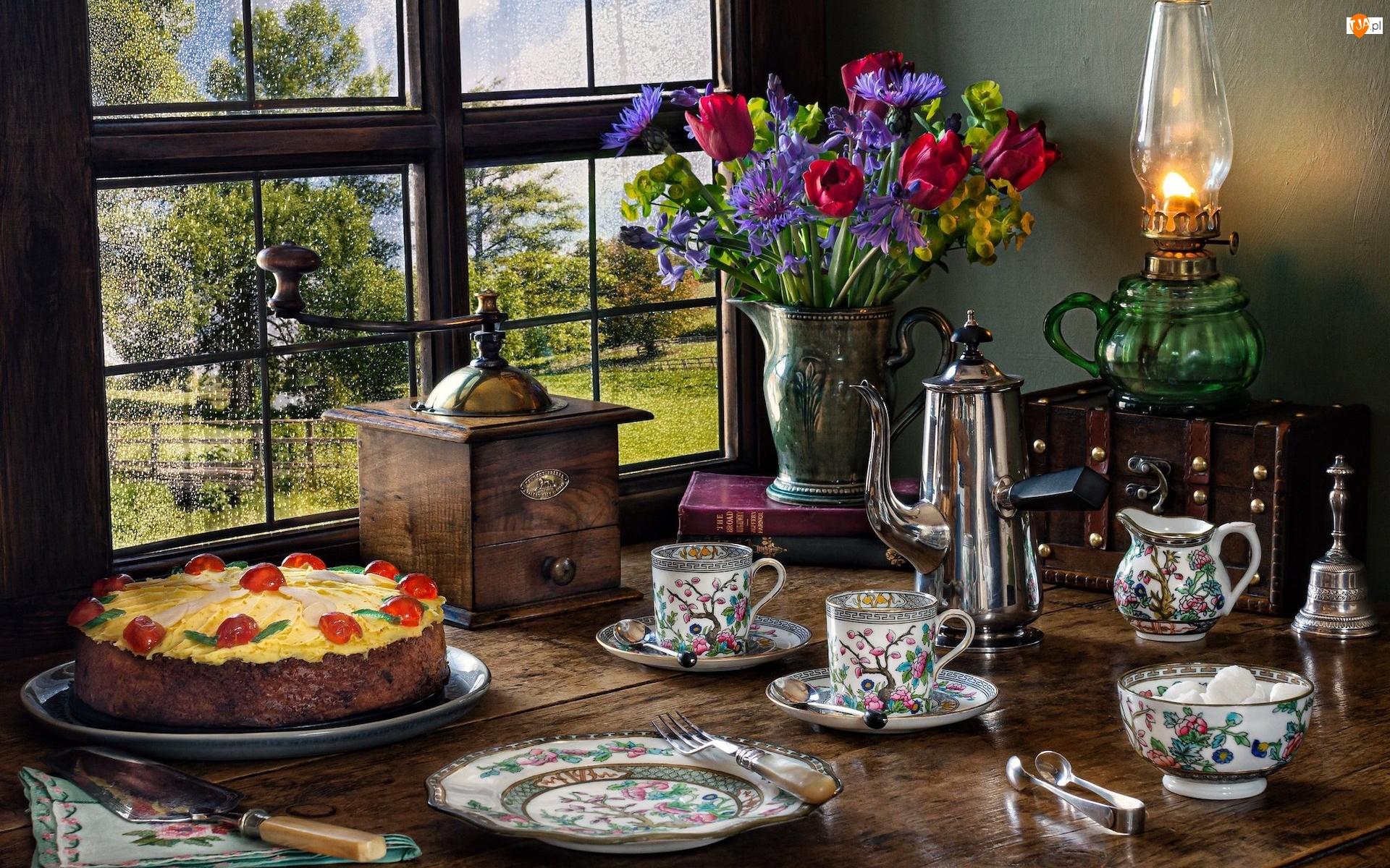 Ciasto, Kompozycja, Bukiet kwiatów, Dzbanek, Okno, Lampa, Serwis kawowy, Młynek