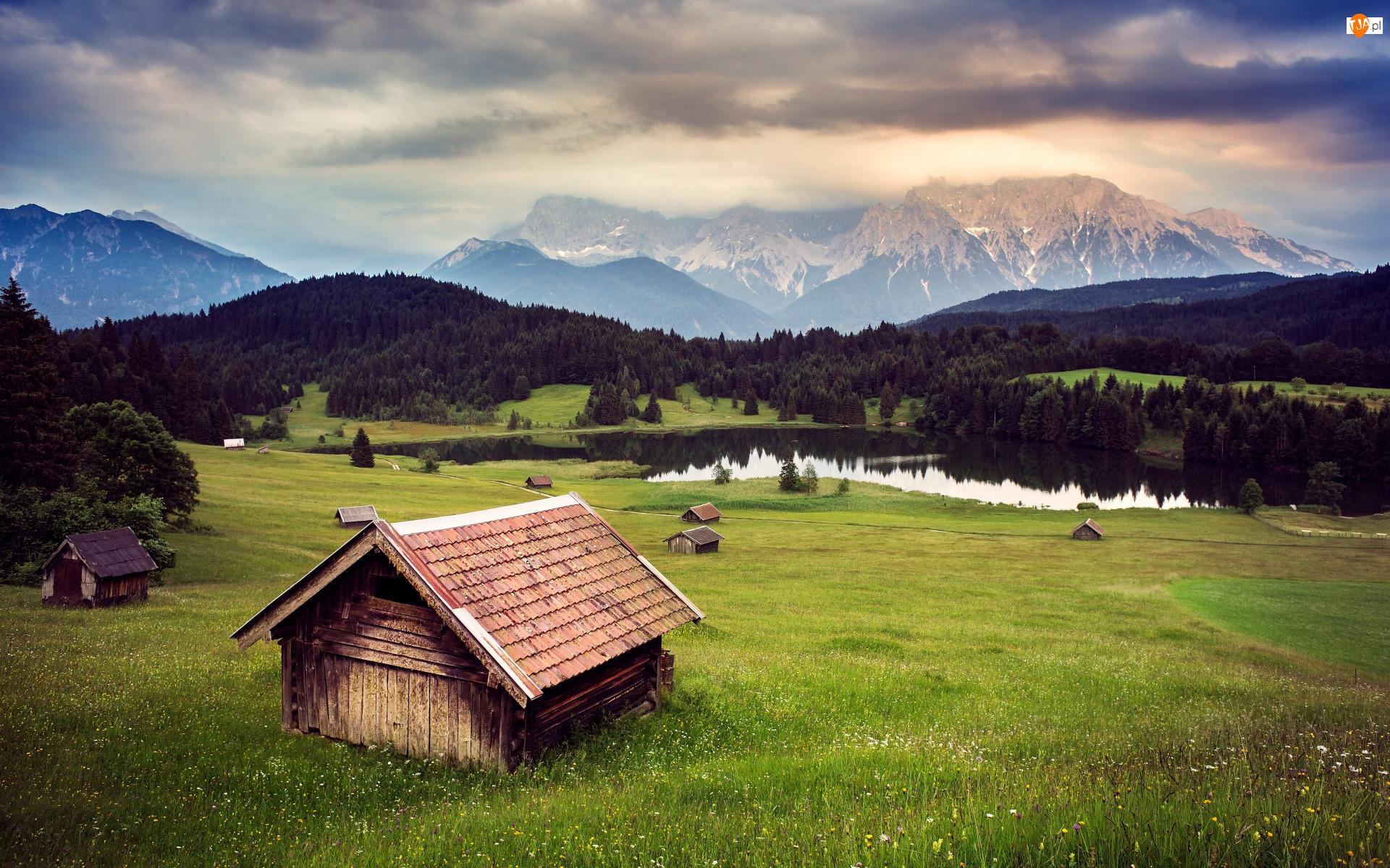 Niemcy, Góry, Alpy, Lasy, Drewniane, Łąka, Jezioro Geroldsee, Domki, Drzewa, Bawaria