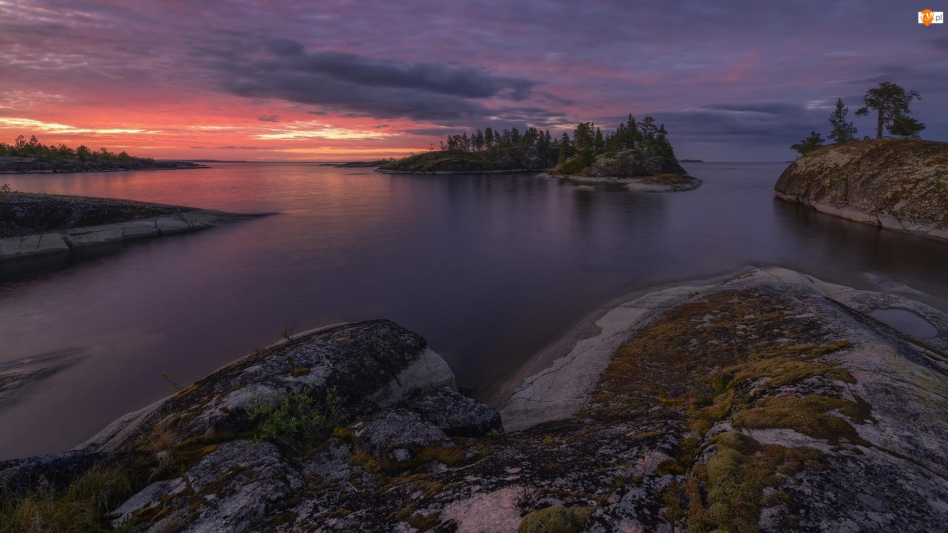 Karelia, Jezioro Ładoga, Drzewa, Rosja, Wysepka, Skały, Zachód słońca