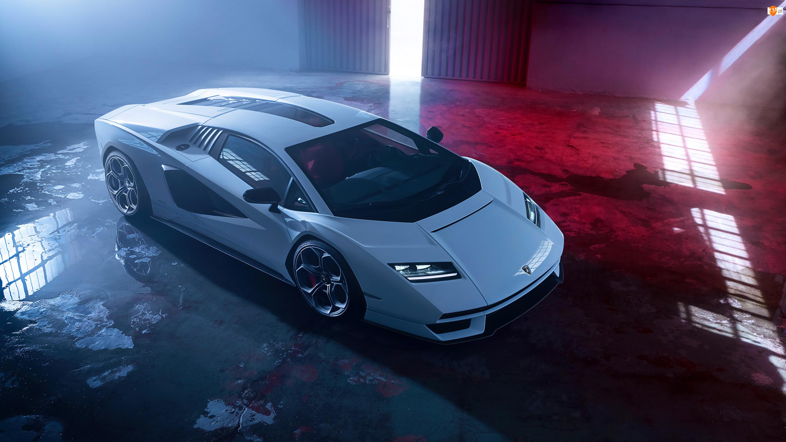 Białe, Lamborghini Countach LPI 800-4