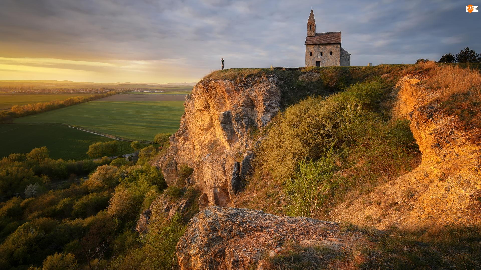 Pola, Skała, Kościół św Michała, Słowacja, Postać, Nitra Drazovce