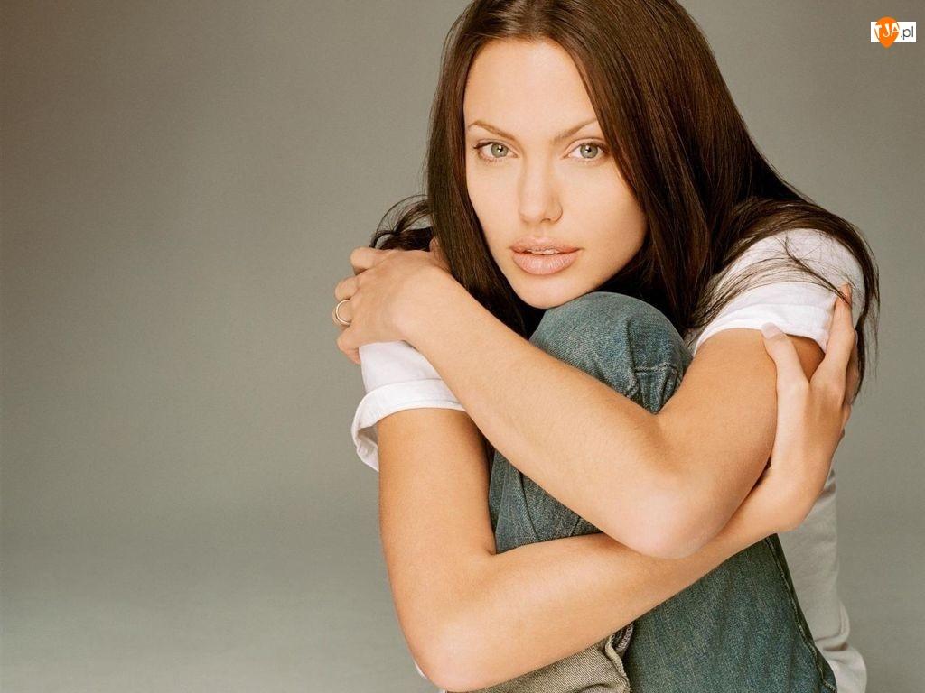 jeansy, Angelina Jolie, biały top
