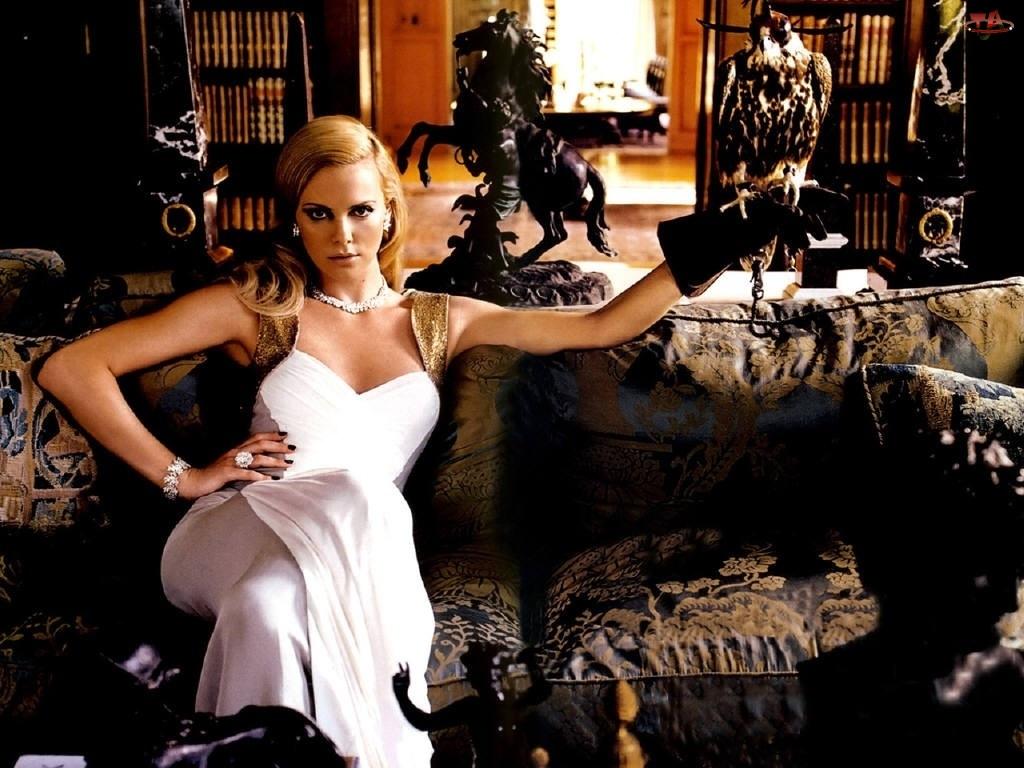 salon, Charlize Theron, kanapa