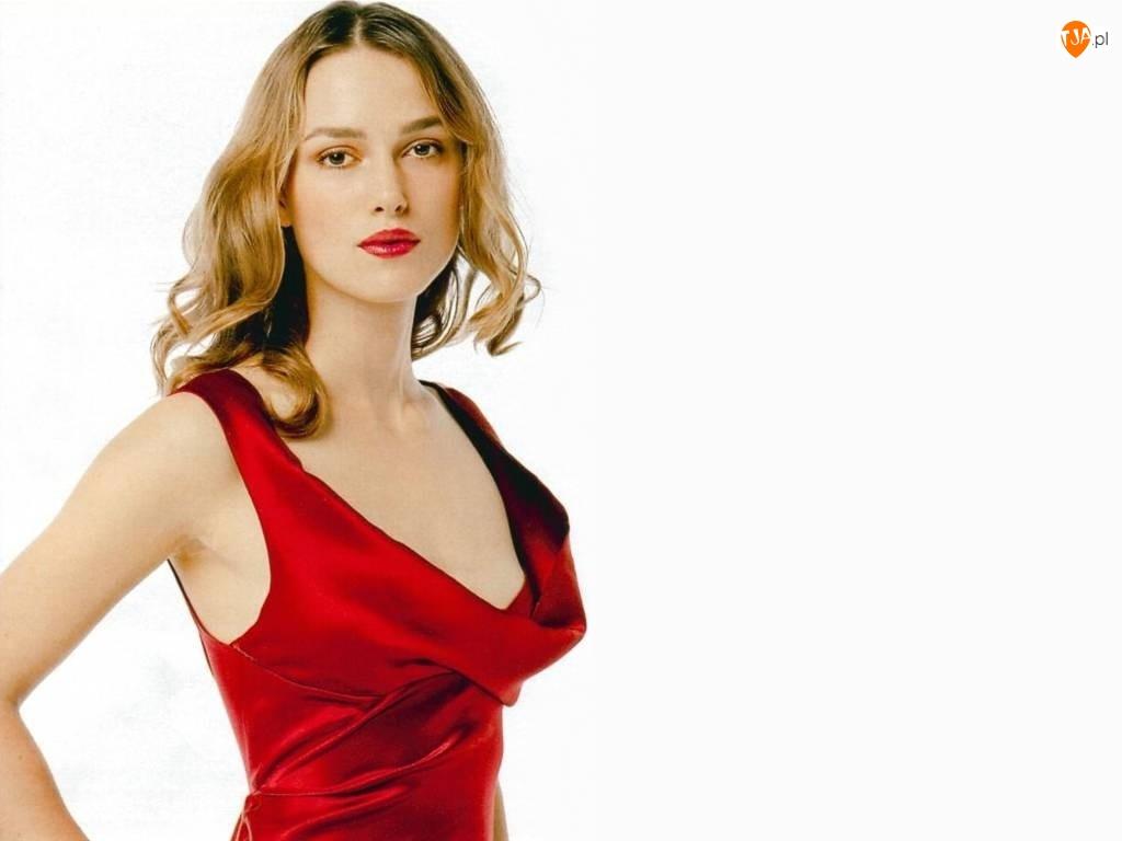 Keira Knightley, Czerwona Sukienka
