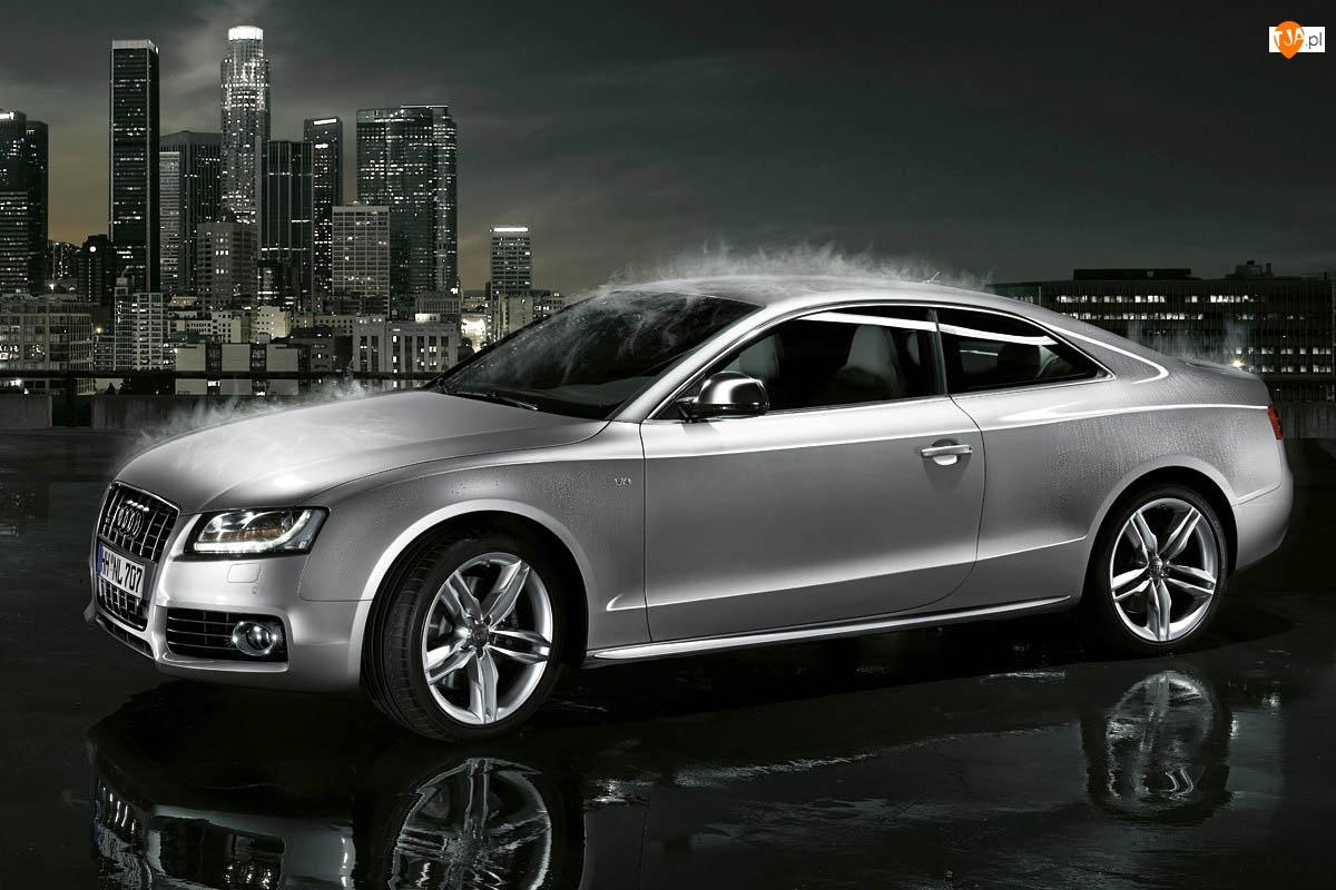 Audi A5, Miasto