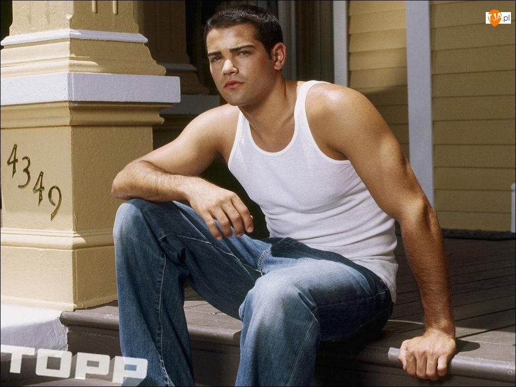 Jesse Metcalfe, białą koszulka