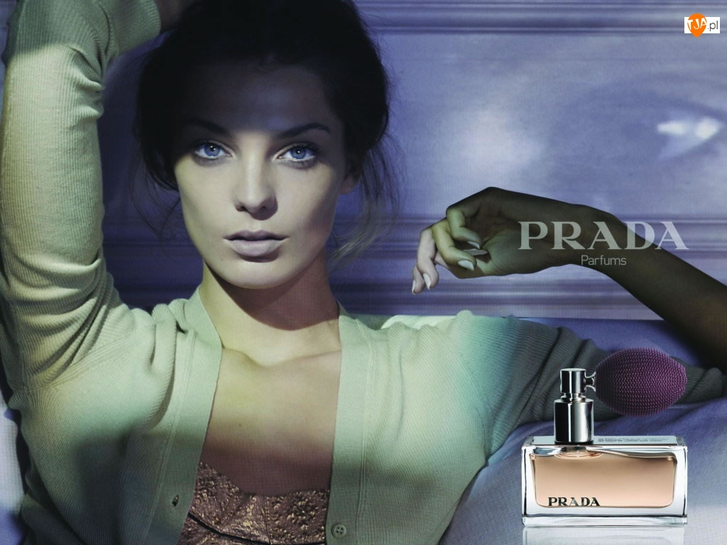 Prada, perfumy, kobieta, flakon