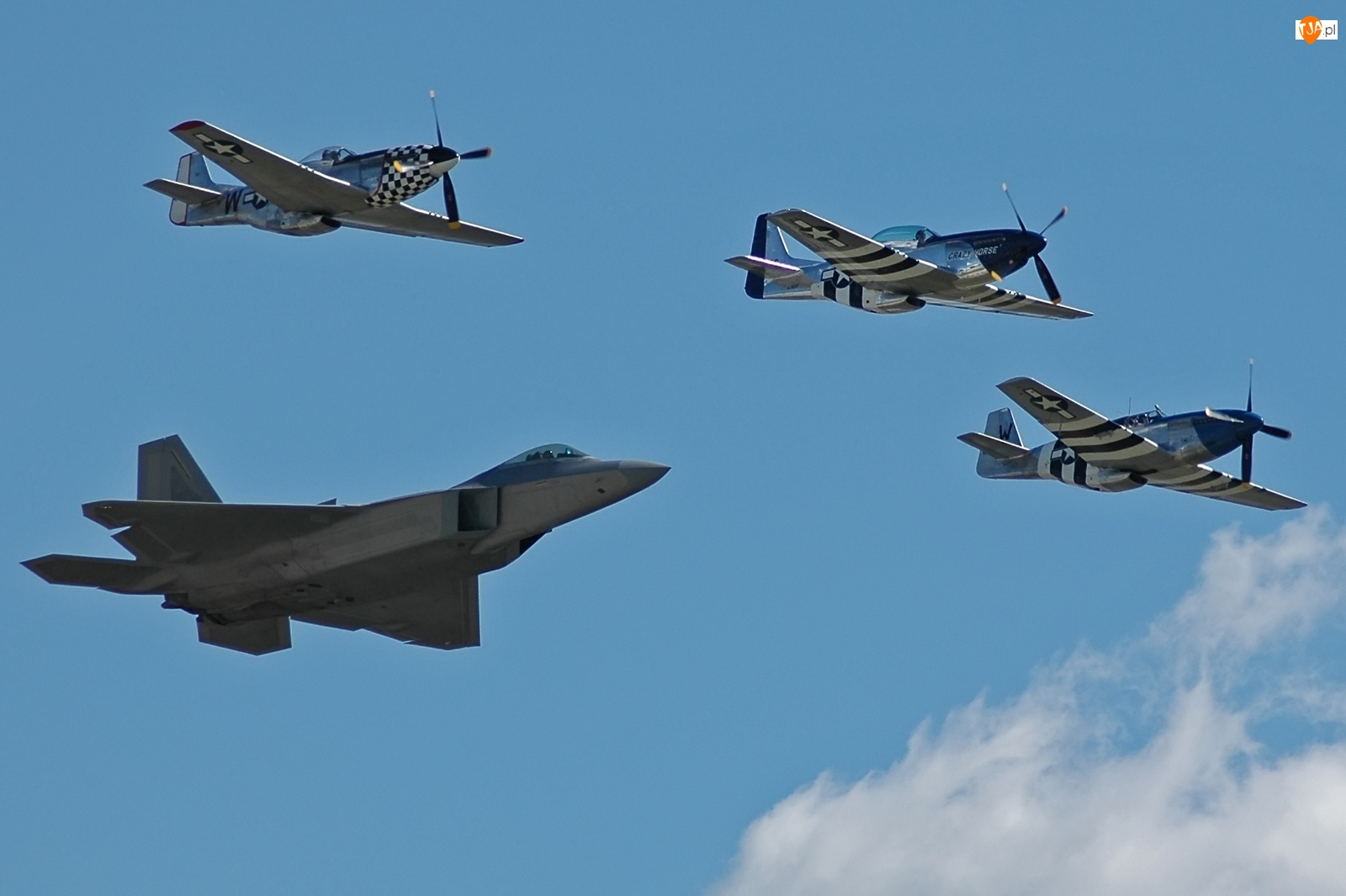P-51, F-22, trzy