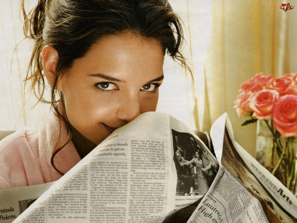 róże, Katie Holmes, gazeta
