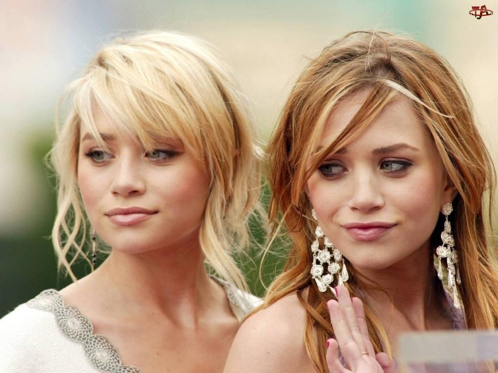 Blizniaczki Olsen, jasne włosy