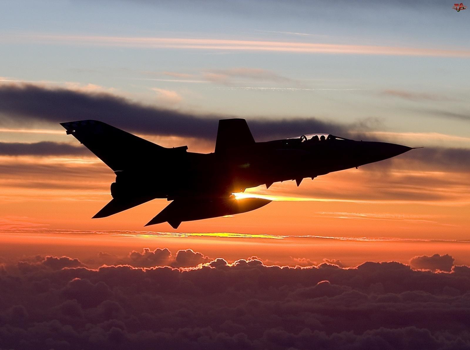 Panavia Tornado, Zachód słońca