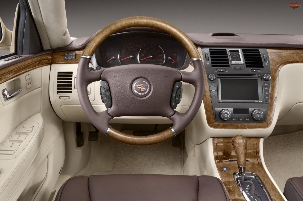 Cadillac DTS, Nawigacja