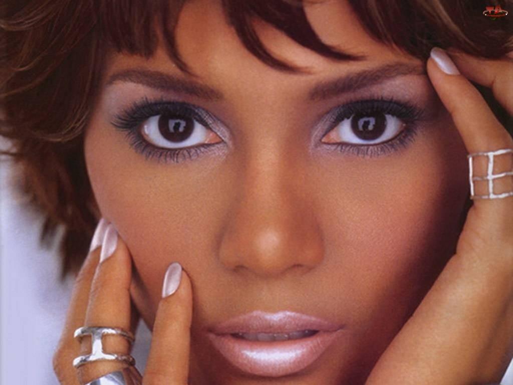 Halle Berry, obrączki, duże, makijaż, oczy, srebrne