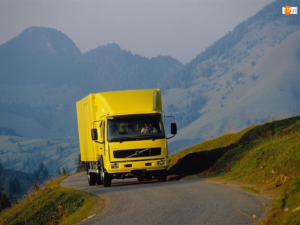 Żółte Dostawcze Volvo