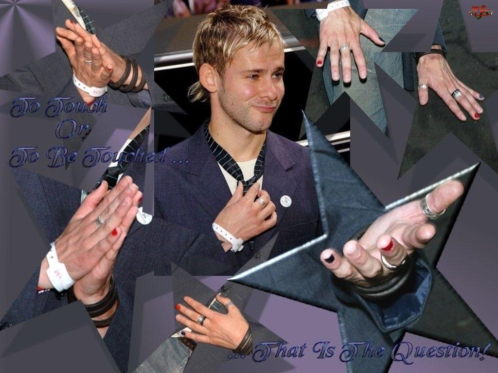 kolorowe paznokcie, Dominic Monaghan, krawat