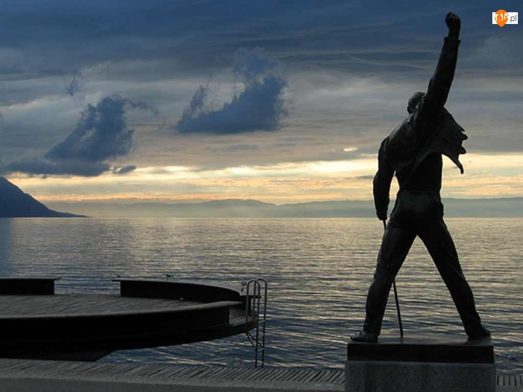 Freddie Mercury, Chmury, Woda, Ciemne