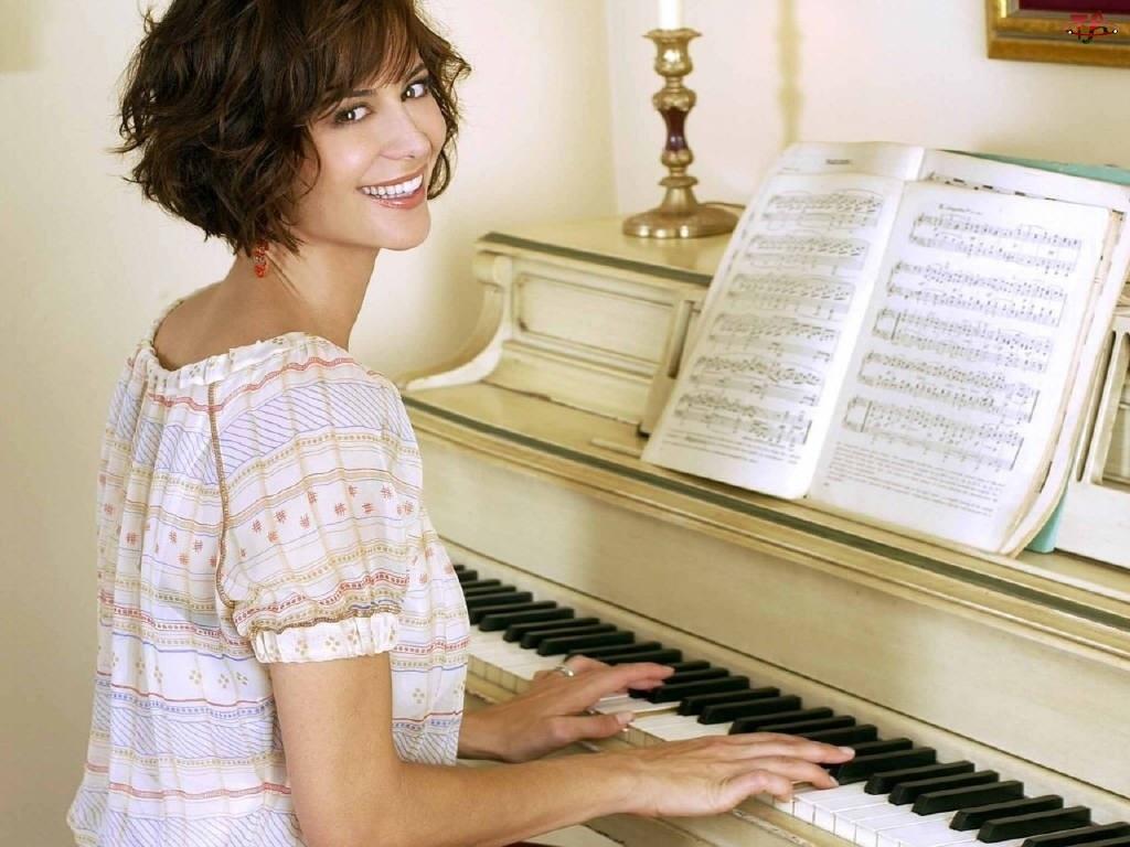 nuty, Catherine Bell, pianino