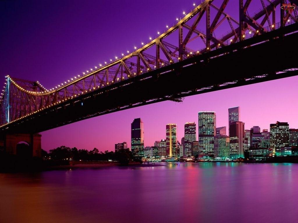 Most, Australia, Miasto