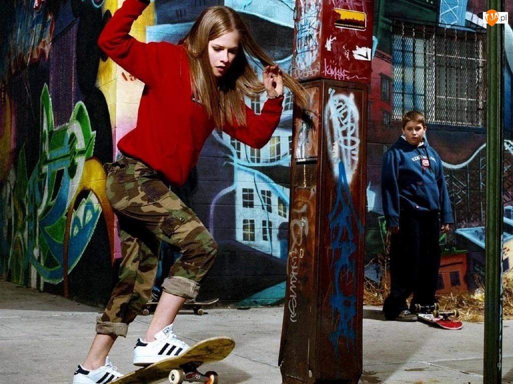 Avril Lavigne, Skate