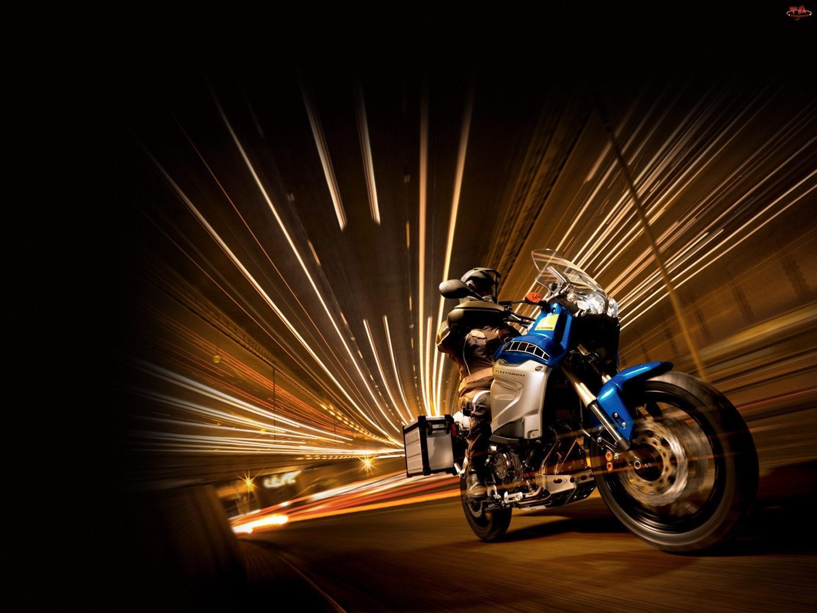 Yamaha XT 1200Z Super Tenere, Tunel