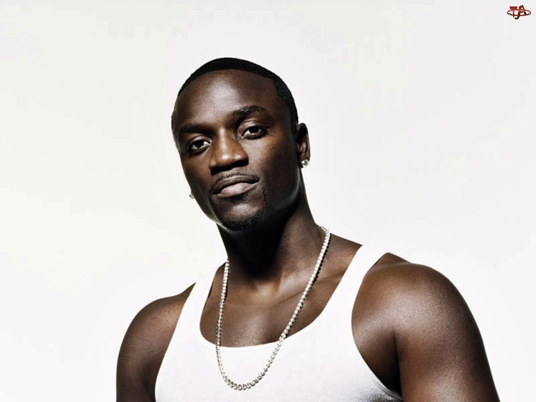Koszulka, Akon, Zarost